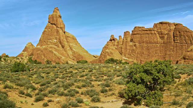Zandsteen vinnen. Rode rotsformatie in Devils Garden, Utah, VSA. XXXL gestikte panorama.