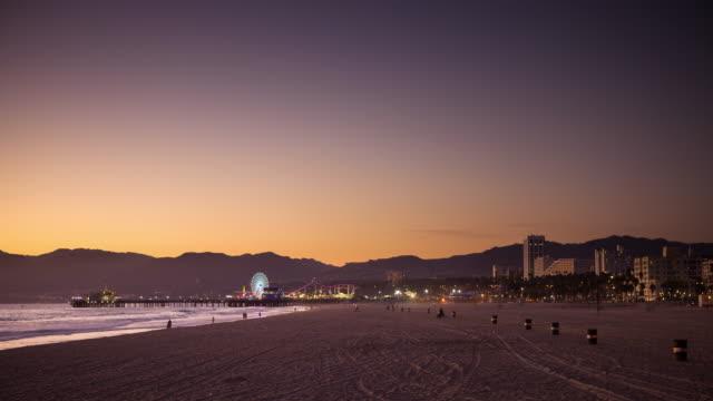 Santa Monica Beach at Sunset - Time Lapse