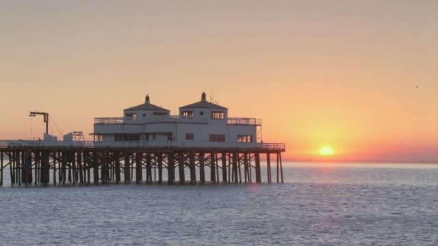 WS Santa Monica Pier overlooking ocean at dusk / Santa Monica, California, United States