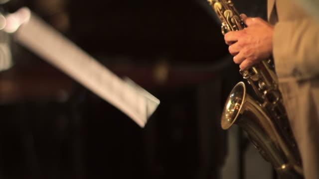 Saxophon-Spieler und copyspace