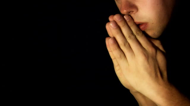 Saying Prayer (HD)