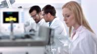 LS DS Wissenschaftler Arbeiten In einem Labor