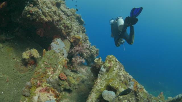 Immersioni nuoto USAT naufragio del sottomarino (4K), Indonesia