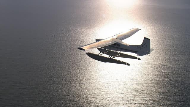Sea plane air-to-air.