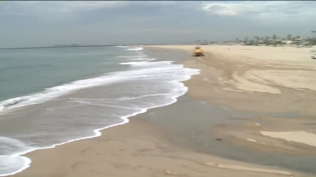 KSWB Seal Beach Prepares for High Tides on October 28 2015
