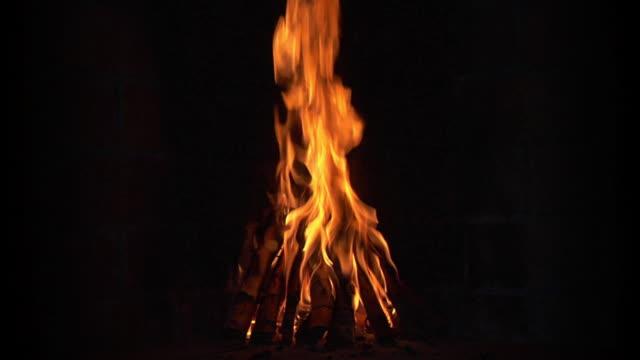 Seamless Loop: Campfire. 1080P. Sound