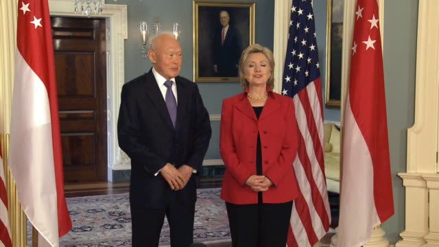 S Secretary of State Hilary Clinton arriving for press stakeout with Singapore's Minister Mentor Lee Kuan Yew on October 26 2009 / Washington DC...