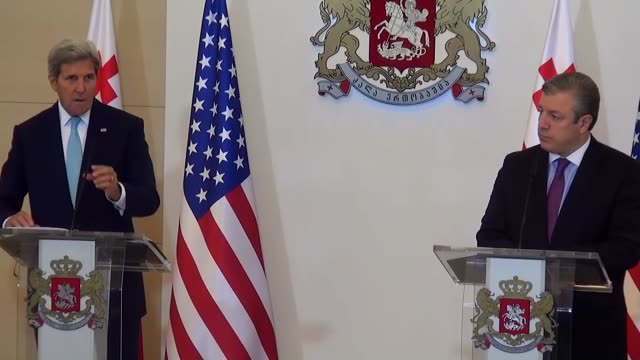 S Secretary of State John Kerry and Georgian Prime Minister Giorgi Kvirikashvili attend a joint press conference after their meeting in Tbilisi...