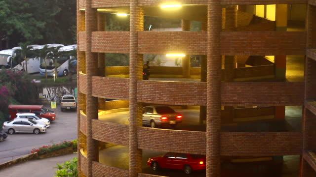 Self parking garage structure