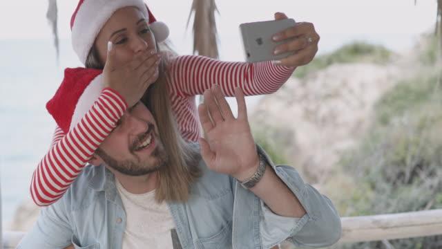 Selfie met de kappen van de Kerstman