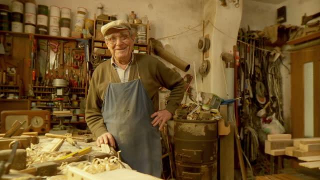 HD DOLLY: Senior Carpenter