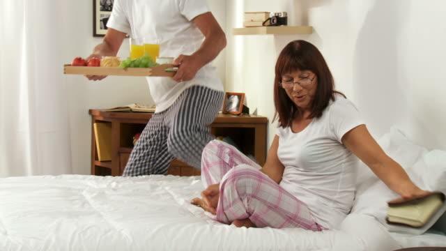 HD DOLLY: Senior Couple Having Breakfast