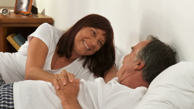 HD DOLLY: Senior Couple In The Morning
