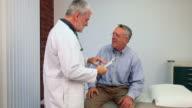 Senior Arzt Besuch