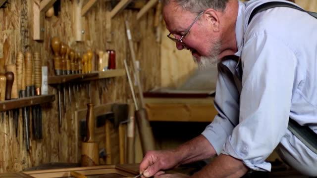 Senior Mann Skulptur Holz