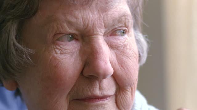 CU Senior woman with gray hair smiling / Washington State, USA