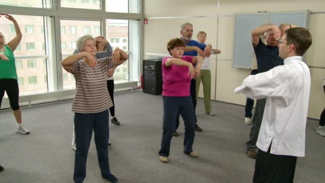 HD DOLLY: Senioren, die Entspannung Fitness
