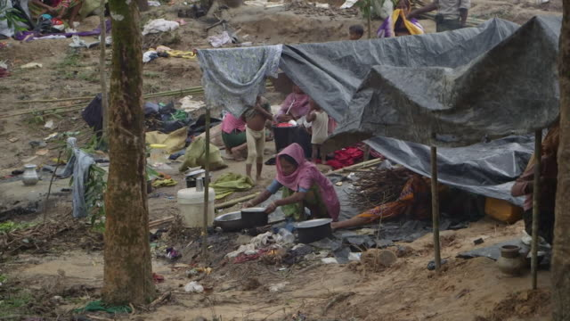 Sequence showing life at a refugee camp in Bangladesh for Rohingya refugees who have fled Burma September 2017 NNBZ122H ABSA627D