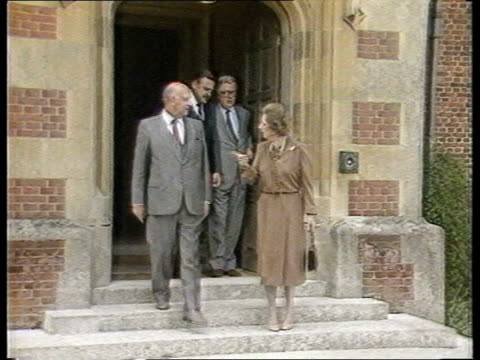 Sharpeville Six reprieve TX Bucks Chequers EXT MS British PM Margaret Thatcher stands on step as chats S African President P W Botha and as S African...