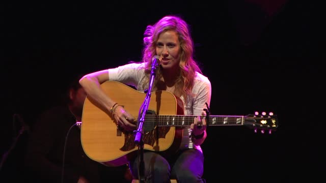 Sheryl Crow at the Children Mending Hearts Benefit at Los Angeles CA
