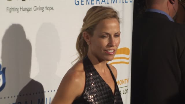 Sheryl Crow at the 'Rock A Little Feed A Lot' Benefit Concert at Los Angeles CA