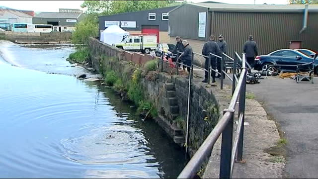 Police diver searching for body remains in River Aire