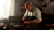 HD DOLLY: Shoemaker Lasting A Shoe