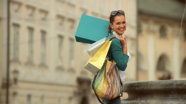 HD SLOW-MOTION: Shopping In The City