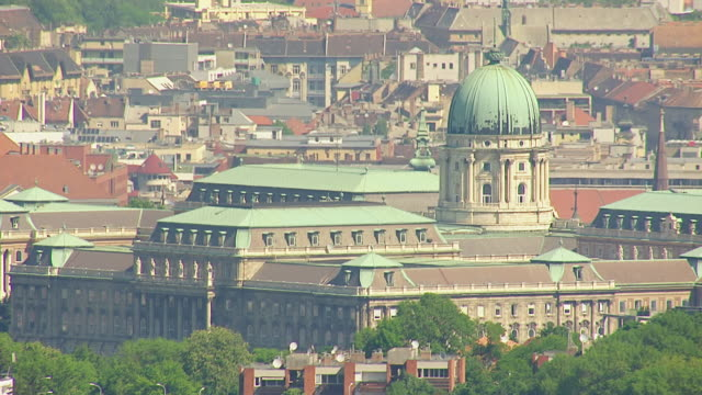 MS AERIAL Shot of Buda castle / Budapest, Hungary