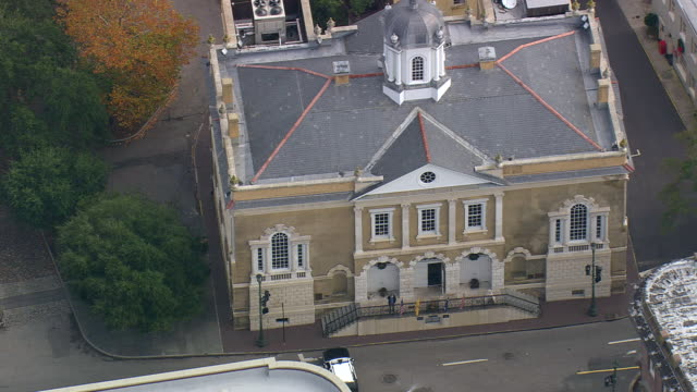 MS AERIAL Shot of building in Charleston city / South Carolina, United States