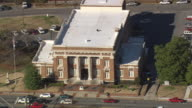 MS AERIAL Shot of city hall auditorium with moving of car at Rome / Georgia, United States