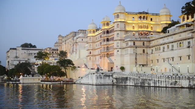 MS Shot of City Palace and Lake Pichola / Udaipur, Utter Pradesh, India