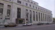 MS Shot of Federal Reserve building / Unspecified