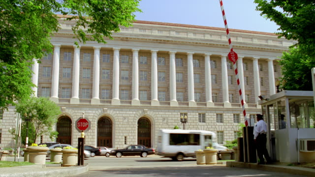 WS Shot of government building / Washington D.C., United States