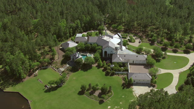 Ms Aerial Shot Of Home Of Brett Favre In Lamar County With