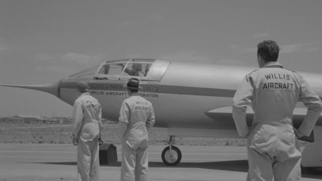 MS PAN Shot of jet ready to take off at runway