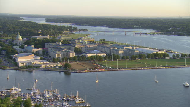WS AERIAL DS Shot of main buildings and US Naval Academy campus / Annapolis, Maryland, United States