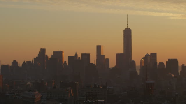 WS PAN Shot of Manhattan skyline / New York, United States