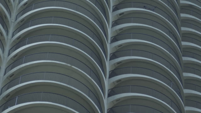 MS PAN TU shot of Marina Towers / Chicago, Illinois, United States
