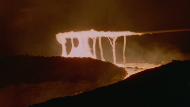 MS PAN Shot of Rod hitting molten steel