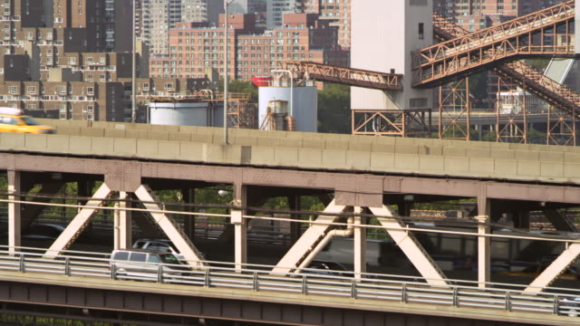 MS PAN Shot of traffic moving on Queensborough bridge / New york, United States