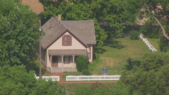 MS AERIAL TS Shot of Willa Cather House / Red Cloud, Nebraska, United States