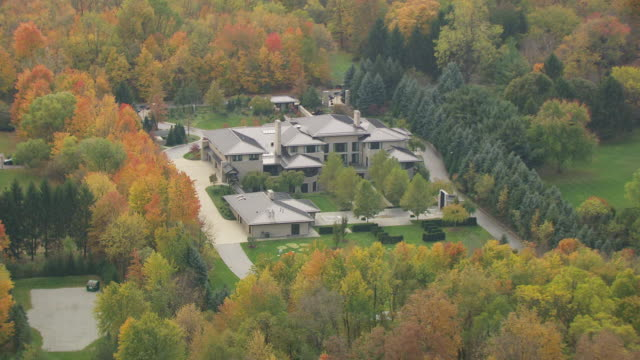 WS ZI AERIAL Shot over house of LeBron James / Akron, Ohio, United States