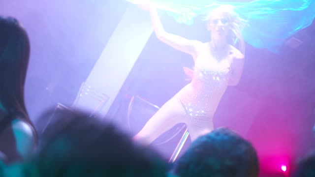 HD: Showgirl Dancing On The Stage