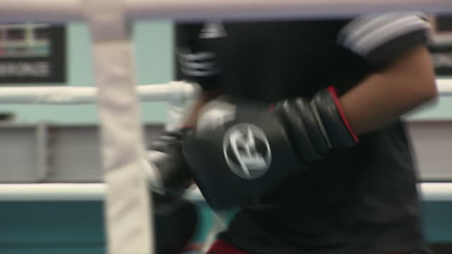 Shows boxers training at English Institute of Sport Sheffield on October 6th 2017