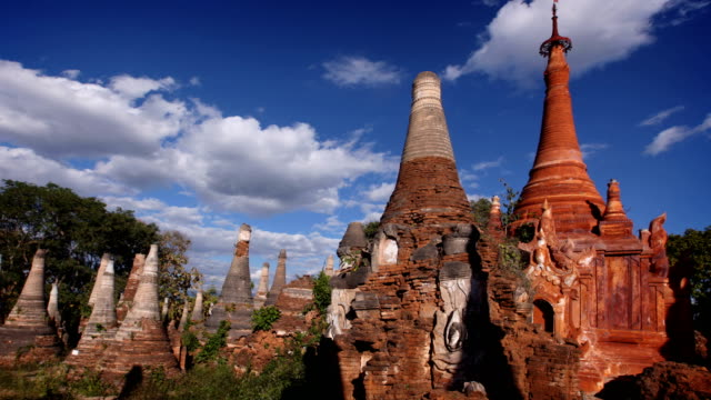 Shwe Inn Tain Tempel, Inle-See, Myanmar (Burma)