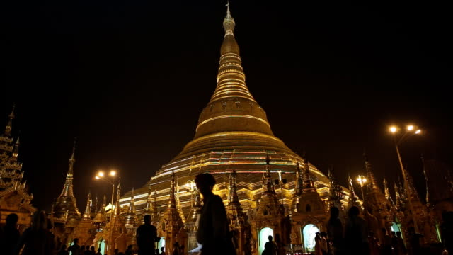 Shwedagon Pagode in Rangun Myanmar bei Nacht