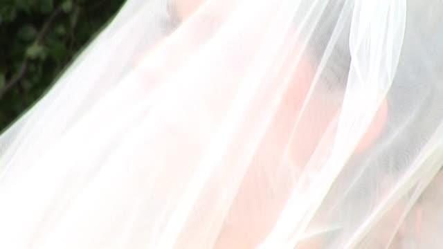 HD: A Shy Bride