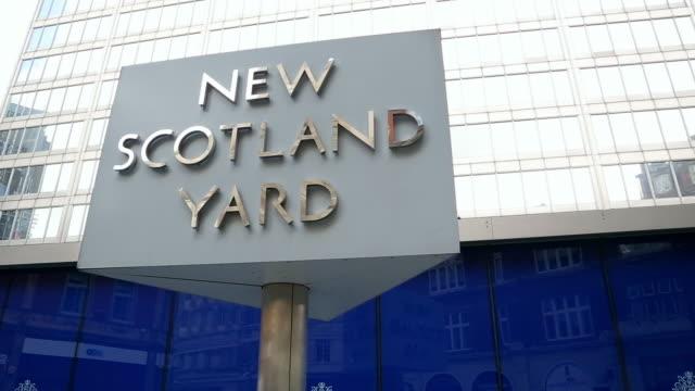 CU Sign of New Scotland Yard / London, England, United Kingdom