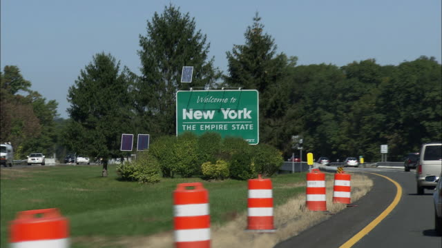 WELCOME TO NEW YORK signage